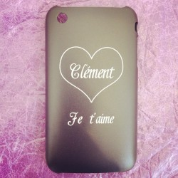 Coque de protection iPhone 3GS customisée par Make & Mark  #makeandmark #laser #lazer #tattoo #tatoo #tatouage #customization #customisation #personnalisation #marquage #gravure #etching #tag #design #accessorize #accessoires #paris #france #apple #iphones #iphone4 #iphone4s #iphone5  (à Make & Mark - Raspail)
