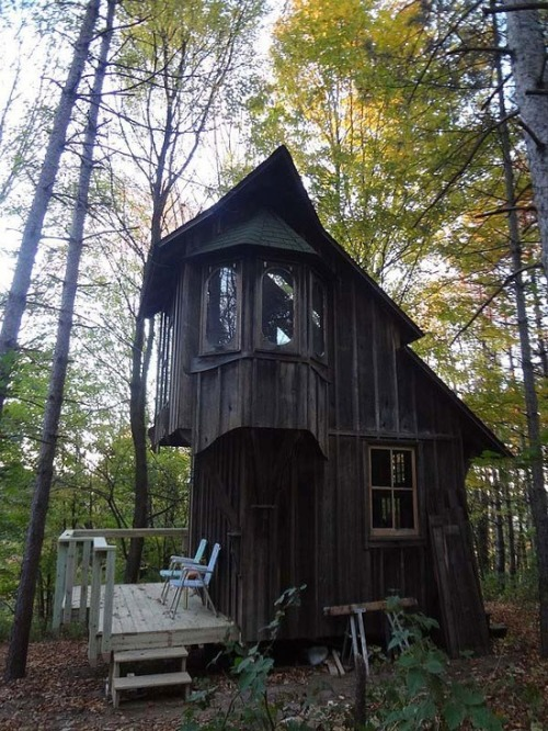 bluepueblo:  Forest Cottage, Michigan photo via jilian