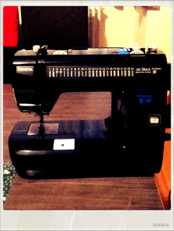 Best Christmas present: my very own sewing machine!!   I get the feeling that my content will veer more and more into DIY territory…