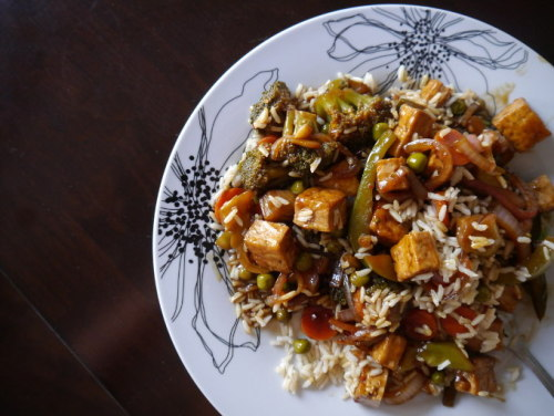 "kung ""pow"" tofu - if you're craving Chinese take out, try this instead! photo: workingouteatingin.com"