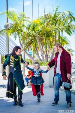 photography cosplay Thor loki miley romero thortv this is so freaking cute you guys look at it loki-hates-you