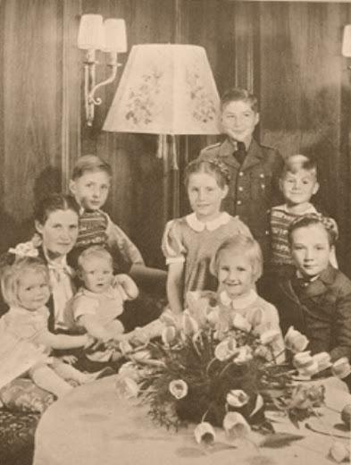 the bormann children adolf martin bormann born bund. Black Bedroom Furniture Sets. Home Design Ideas