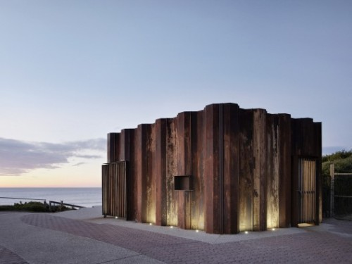 architectureofdoom:  sheslostctrl:  Third Wave Kiosk / Tony Hobba Architects  Built with recycled sheet piles typically used for seawall, bridge and pier construction, Torquay, Australia