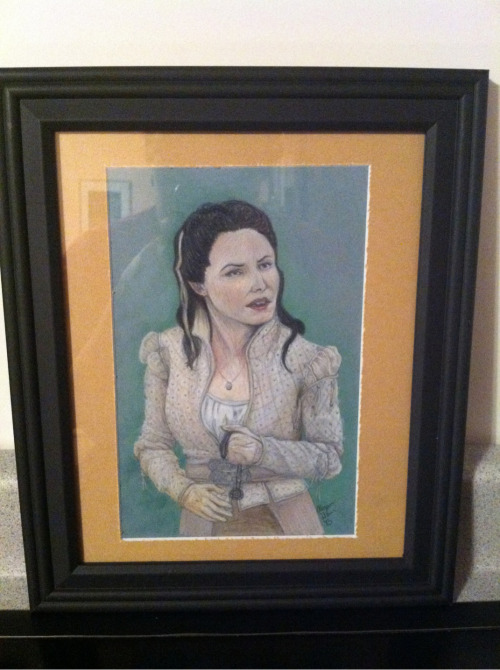jazzymbf:  Finally finished my Snow White portrait!!  MUFFY IS ON TUMBLR?!?!?!?!?!  Hi Muffy!  Guys!  This is Muffy (Alyson).  She makes pretty fan art for Doctor Who and OUaT and also makes really cool animal art.  You should follow her so you can see her art.  And then commission a piece from her.  Because I did.  And I'm getting a Ruby/Red and it's awesome so far and I can't wait to have it completed.