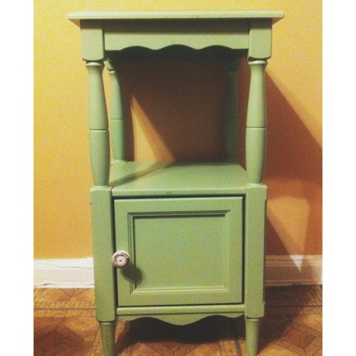 Mint color shabby chic bedside table looking for a new home. $30. About hip height. Manhattan/Brooklyn friends, I'll deliver it to ya. Long Island loves, we'll arrange to pick it up. 👇or Natasha.ivy@aol.com