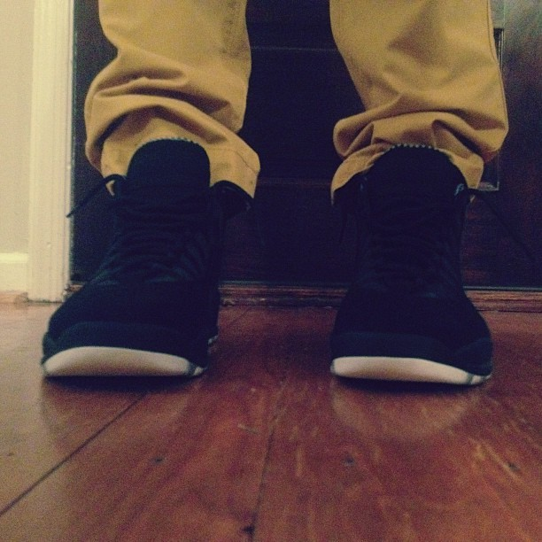 New #unds…. Do I look #stealth 👻 #hypebeast #streetwear #photooftheday #instyle #instagood #nicekicks #complexkicks #theshoegame #sgfu #kicks0l0gy #s7 #deadstocksva #deadstocksvakod  #sneakerhead  #jordans #retro #jordanhead #niketalk #igsneakercommunity  #showmeyourfeetheat #walklikeus #kicksoftheday #wdywt #todayskicks #smyfh #swag #igsneakers #kicks4eva