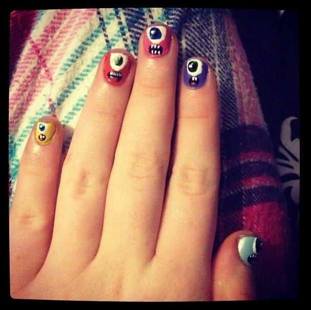nailznailznailz1:  Monster Nails. Inspired by Dispicable Me. By Skye Shane.