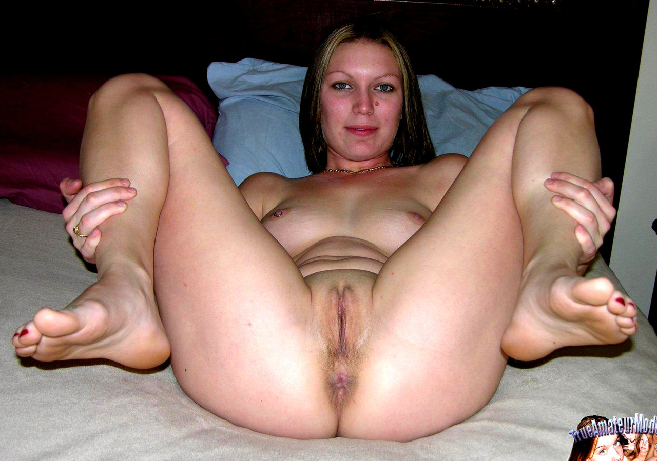 Mom legs spread wide