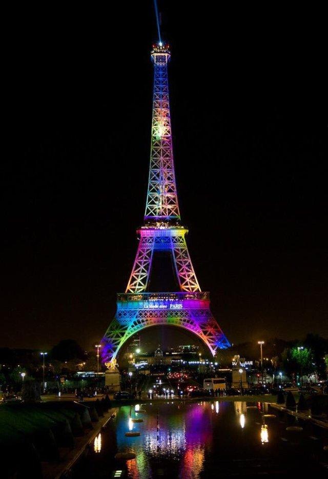 #tower eiffel#pride month
