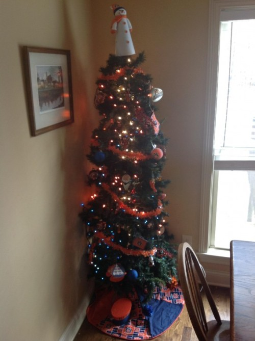 Auburn Tigers Christmas tree, something War Eagle Nation can cheer about [Photo]