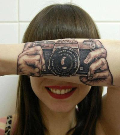 nillyyyy:  Photography Tattoo ♥ on We Heart It. http://weheartit.com/entry/48295346/via/I_am_CafeCoLechi