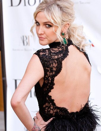mstarzcom:  Ashlee Simpson Impressed In A Backless Black Dress At The American Ballet Theatre Opening Night Spring Gala [Photos]  Ashlee Simpson, 28, showed off her stunning figure in a backless dress at the premiere of the New York City Ballet, in Lincoln Center, on Monday evening. Jessica Simpson's little sis, proved that she can be every bit as stylish as her older sister, when she hit the red carpet at the American Ballet Theatre Opening Night Spring Gala in her jaw-dropping gown, Extra TV reports. Read more at MStars