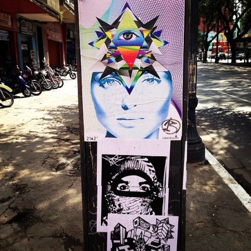 sticker-street-stencil-sticker-art-walking