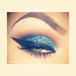I wanted to add rhinestones but all I had was stars… 💫 #makeup #chrisspy