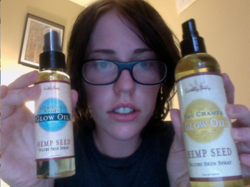 I got my Earthly Bodies Nag Champa and Moroccan Nights hemp seed oil body spray in the mail today! Yayy!  Now I'm gonna go take a shower and make myself soft and smelly <3