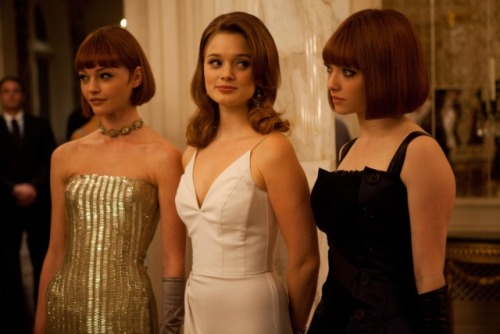 laviedanscoleur:  Sasha Pivovarova, Bella Heathcote and Amanda Seyfried in 'In Time'