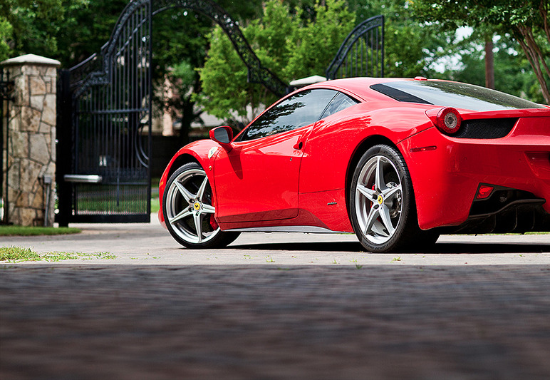 blessed-in-abundance:  Ferrari 458 Italia | Credit | More