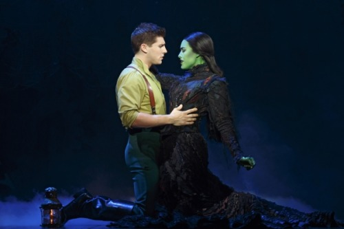 matchthem-inrenown:  Alison Luff and Curt Hansen as Elphaba and Fiyero - Wicked 1st National Tour