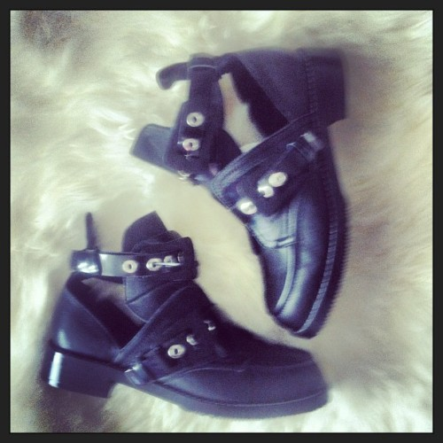 #balenciaga#cutout#shoes#enfin#là#