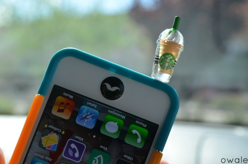 owale:  got my starbucks dust plug. just fyi to people who want these, the plug is fexible, not hard.