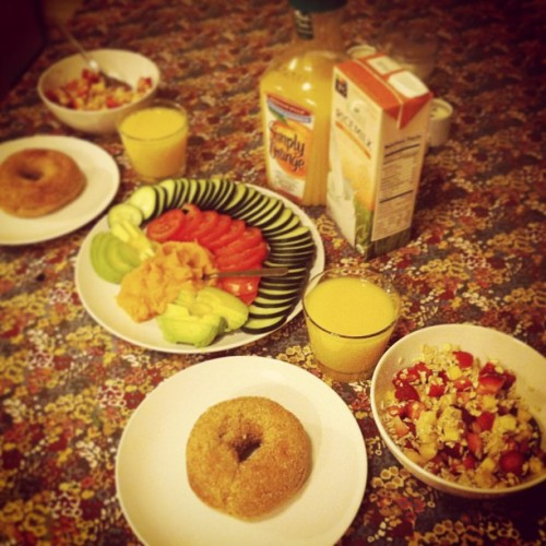 Breakfast for two! #vegan #snackler #breakfast (at Dobrovodsky Manor)