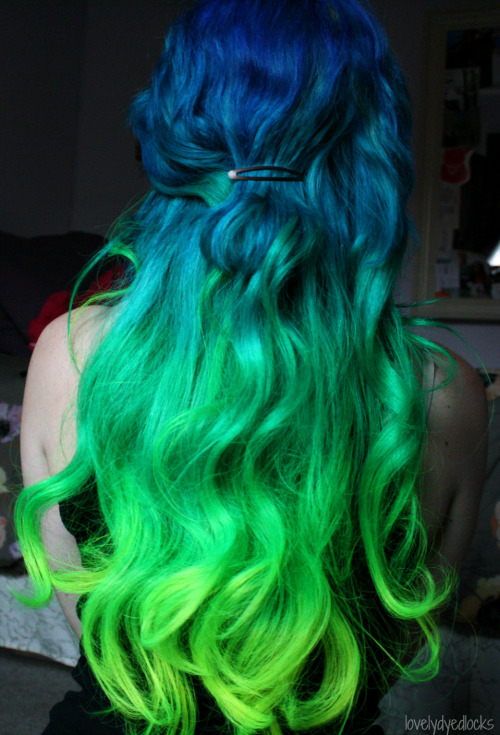 lovelydyedlocks:  Pardon all of the photos, I'm just in love with my locks! c:
