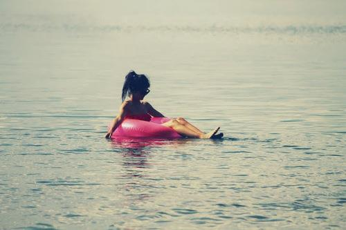 Summer | via Facebook on We Heart It - http://weheartit.com/entry/61803674/via/estherlindblom   Hearted from: https://www.facebook.com/photo.php?fbid=466177530127255&set=pb.116453428433002.-2207520000.1368871833.&type=3&src=https%3A%2F%2Ffbcdn-sphotos-d-a.akamaihd.net%2Fhphotos-ak-snc6%2F182214_466177530127255_185684709_n.jpg&size=500%2C333