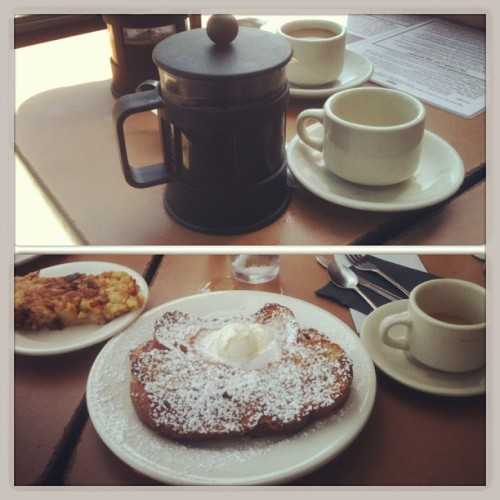 They gave us our own french presses! #ohiseeyou #ilovebreakfast #carbsandcoffee #happymonday  (at The Griddle Cafe)