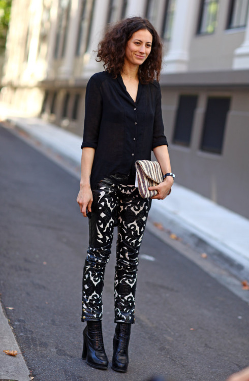 exhalevogue:  Milan Street Style Love the patterned pants
