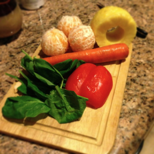 shp0ngle:  Juicing some yummy stuff!