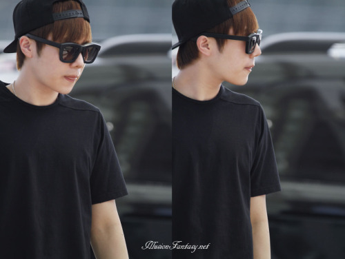 definitelyinfinite7:  130517 Sunggyu at Incheon airport© illusion fantasy | Please take out with full credit