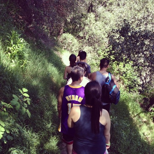 Adventure day with the fam @amygiang @natali3chen @s0phialee @stayce3_  #plusJohnAthanPhillipjet #chantryflats #hermitfalls #626 #narrowasstrails #yayimbeinghealthy #hiking  (at Hermit Falls)