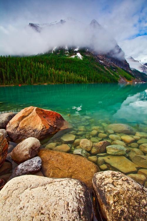 expressions-of-nature:  Canadian Rockies, Banff National Park, Lake Louise : ya zhang