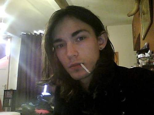 Those luscious locks… just having a fag. What's up people?
