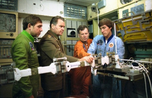 Vladimir Shatalov, director of the Cosmonaut Training Center (second left) in the Mir simulator with the Soyuz TM-7 crew: Aleksandr Volkov, Jean-Loup Chrétien (France) and Sergei Krikalev. (1988) (Source)