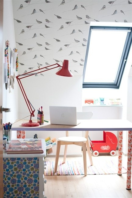 bright space for homeworks (via Interior inspirations)