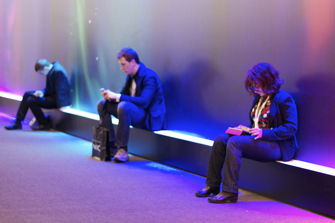 [MWC13] Communication or Isolation?