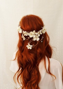 Ivory flower head piece by Diana, gardensofwhimsy