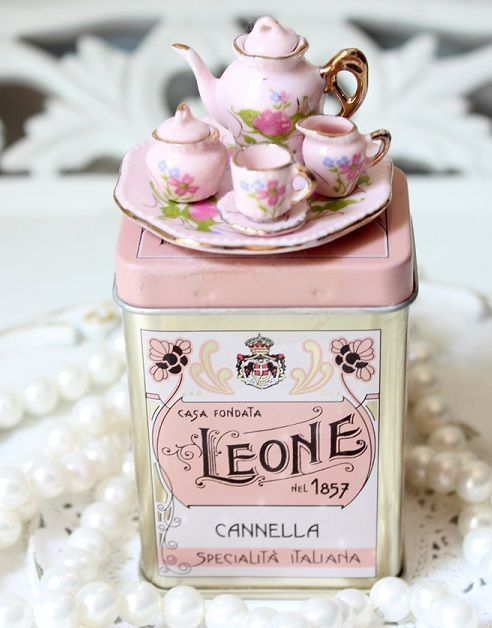 queenbee1924:  Miniature tea set | Tea Service ~ Carts ~ Trays | Pinterest)