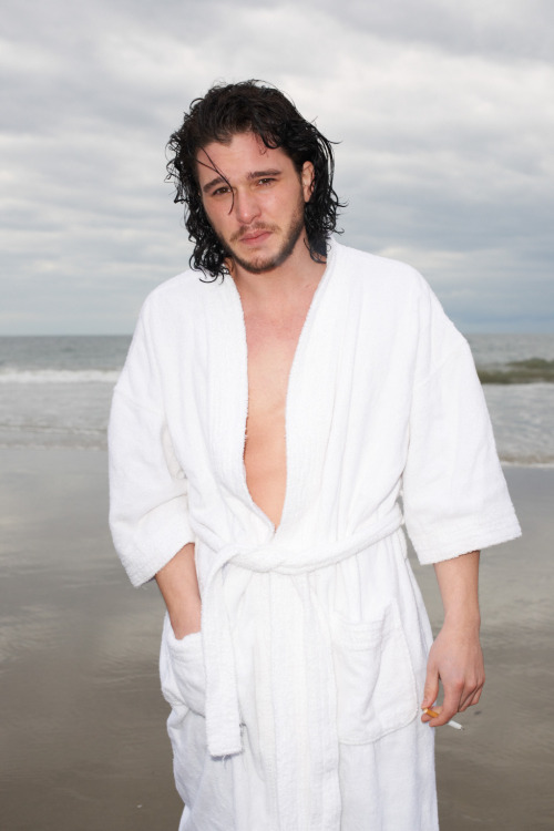 terrysdiary:  Kit Harington in Vencie #10