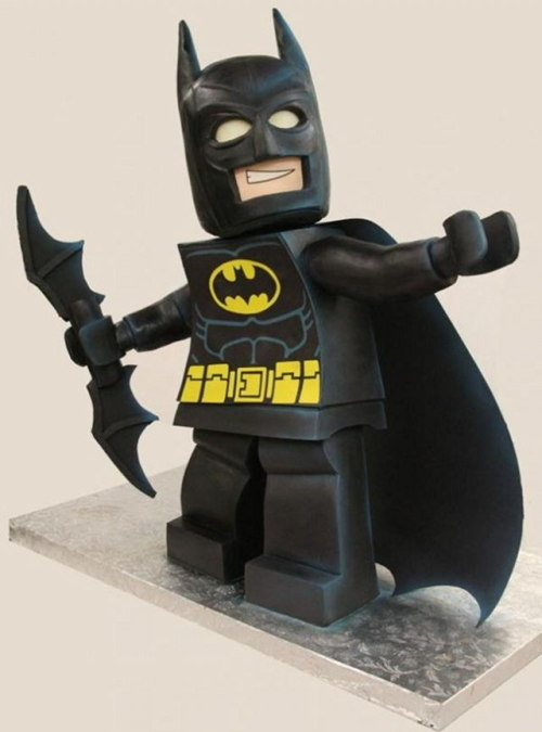 nerdsneedcaketoo:  Amazing LEGO Batman Cake by Mike McCary of Mike's Amazing Cakes - via Geekologie