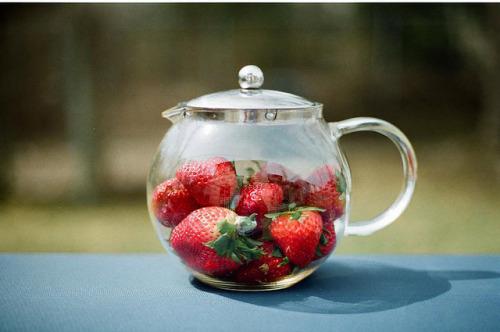 perfectmadness: (via Strawberry tea | Flickr - Photo Sharing!)