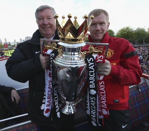 fergiegram:  Two retiring legends with the Premier League trophy. (via Twitter / ManUtd_PO: Sir Alex Ferguson & Paul …)