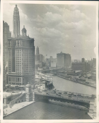calumet412:  Looking west along the river from Michigan Ave, 1929, Chicago