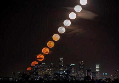 Moonrise time-lapse over Los Angeles, California.   @Fascinatingpics