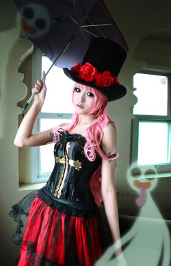 cosplay-photography:  perona by ~deicn911