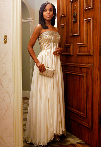 entertainmentweekly:  Scandal costume designer Lyn Paolo spills behind-the-scenes secrets about some of Olivia Pope's best looks — including this stunning Jean Ferre gown. AMAZING!