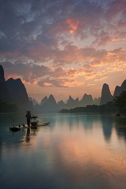 visitheworld:  Li River sunrise, Guangxi, China (by Yan Zhang Photography).