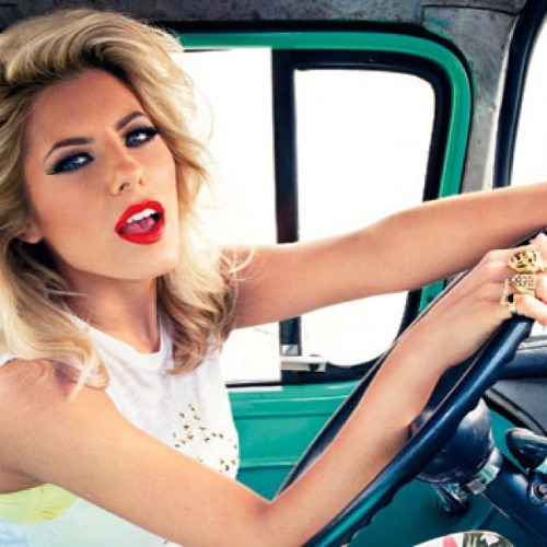 Love Mollie's hair and make-up here #mollie #molliethesats #mollieking #saturdays #thesaturdays #satsfans #pop #music #beauty #bbloggers #blondehair #bighair #redlips #redlipstick #photoshoot #car #drivingwheel