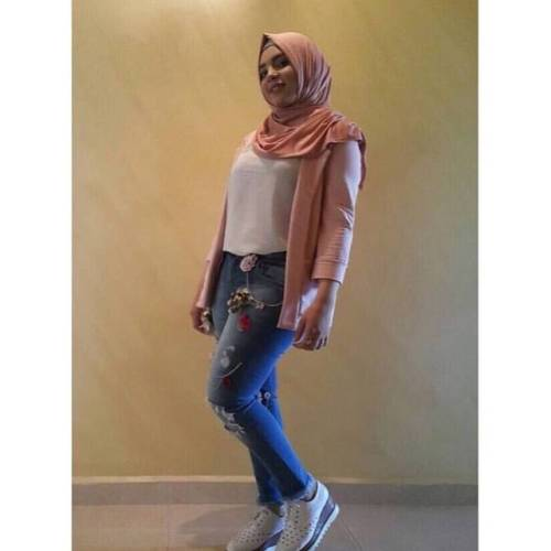 lebanese jordan tripoli arab egypt beautiful lebanon hijabi selfies hijabbeauty iraq lebanesegirls selfie lebanesegirl abudhabi hijabstyle uae dubai arabian beirut hijab hijabista syria followforfollow beauty follow